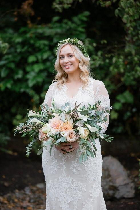 sophisticated floral designs portland oregon wedding florist abernethy center falcusan photography (62) (490x735).jpg