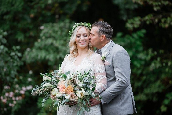 sophisticated floral designs portland oregon wedding florist abernethy center falcusan photography (72) (735x490).jpg