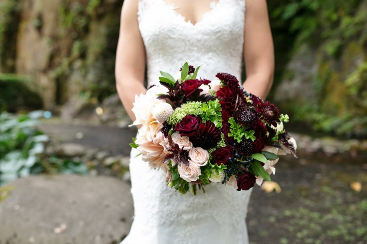 sophsiticated floral designs portland oregon wedding florist riverview restaurant (14) (735x490).jpg