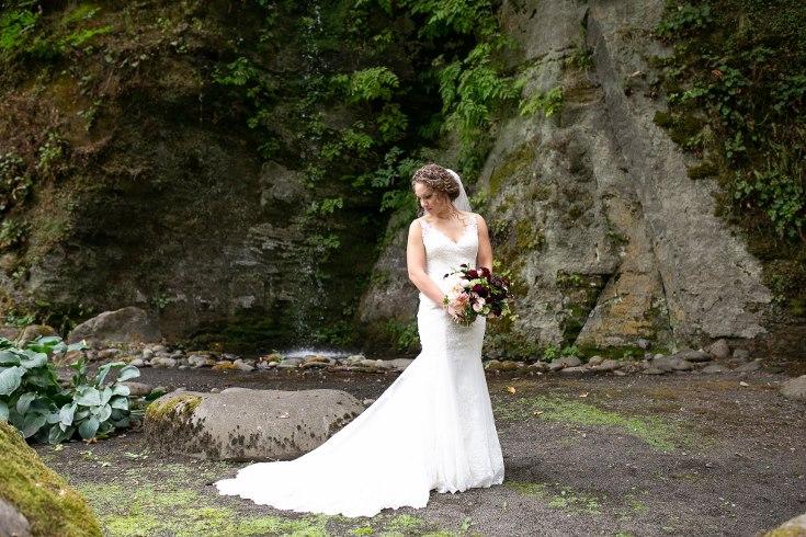sophisticated floral designs portland oregon wedding florist riverview restaurant (18) (735x490).jpg