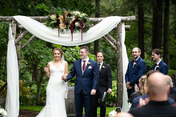 sophisticated floral designs portland oregon wedding florist riverview restaurant (15) (735x490).jpg