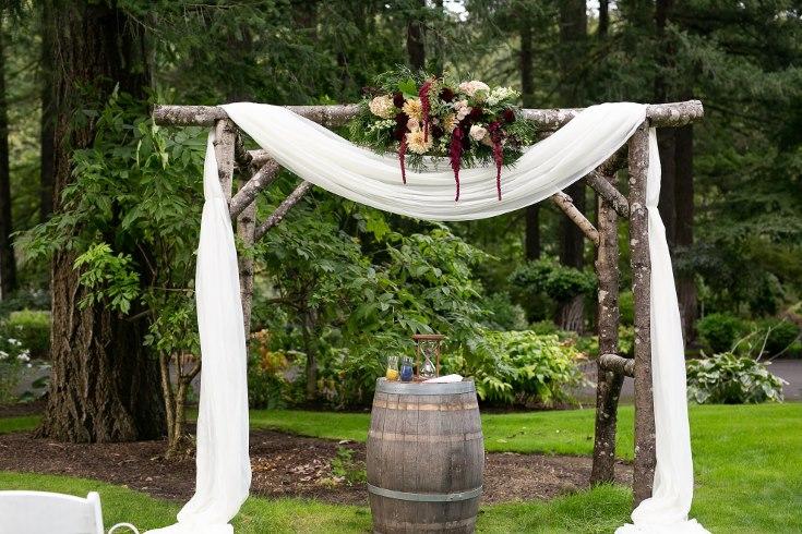 sophisticated floral designs portland oregon wedding florist riverview restaurant (10) (735x490).jpg