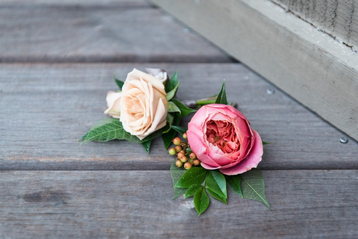 sophisticated floral designs portland oregon wedding florist the foundry of lake oswego powers studio photogrpahy coral boutonniere