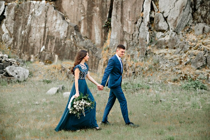 sophisticated floral designs portland oregon wedding florist columbia river gorge engagement photography bouquet  (14).jpg