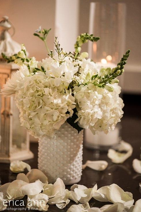sophisticated floral designs portland oregon wedding florist urban studio flowers modern wedding erica ann photography (7).jpg