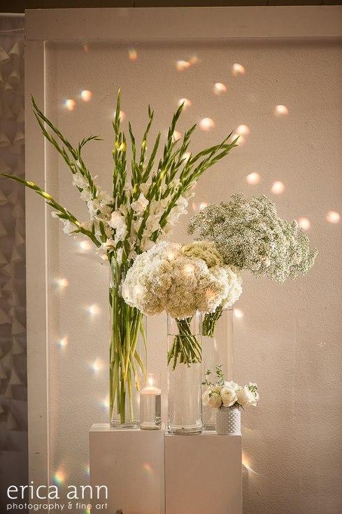sophisticated floral designs portland oregon wedding florist urban studio flowers modern wedding erica ann photography (5).jpg