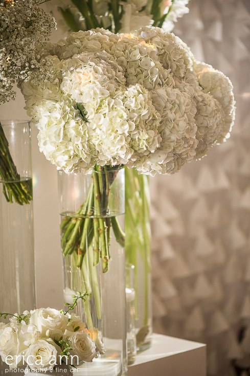 sophisticated floral designs portland oregon wedding florist urban studio flowers modern wedding erica ann photography (3).jpg