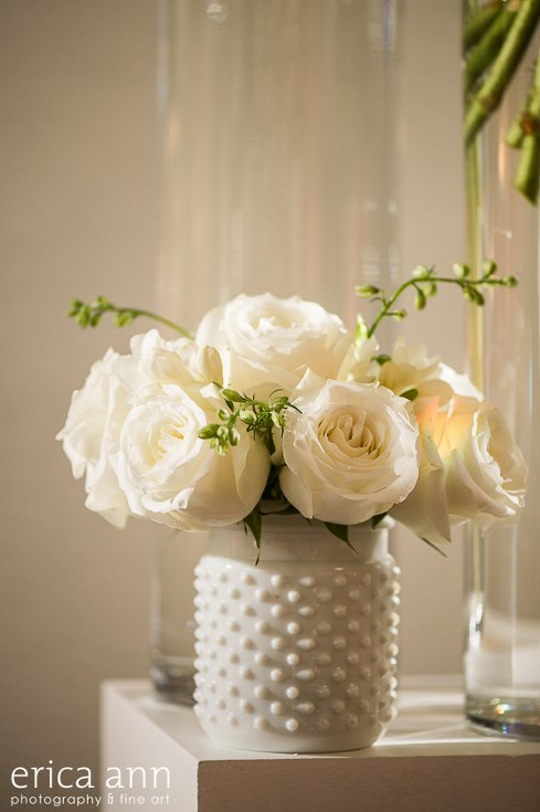 sophisticated floral designs portland oregon wedding florist urban studio flowers modern wedding erica ann photography (2).jpg