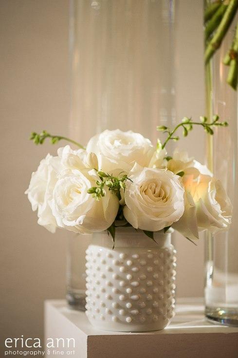 sophisticated floral designs portland oregon wedding florist urban studio flowers modern wedding erica ann photography (2).jpg