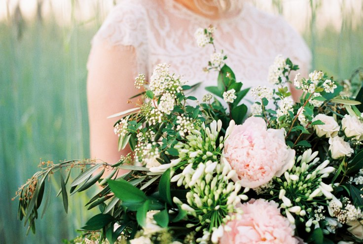 sophisticated floral portland oregon wedding florist peony bouquet (1).jpg