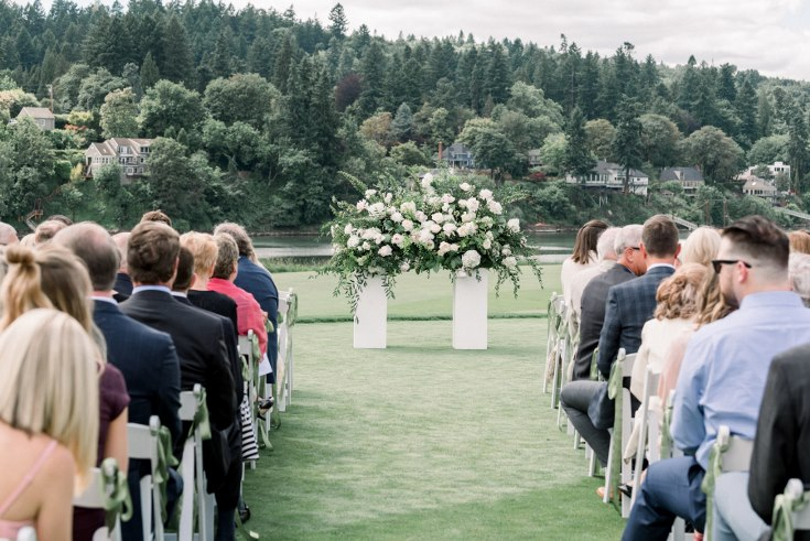 sophisticated floral designs portland oregon wedding florist waverley country club lauryn kay photography  (29) (735x491).jpg