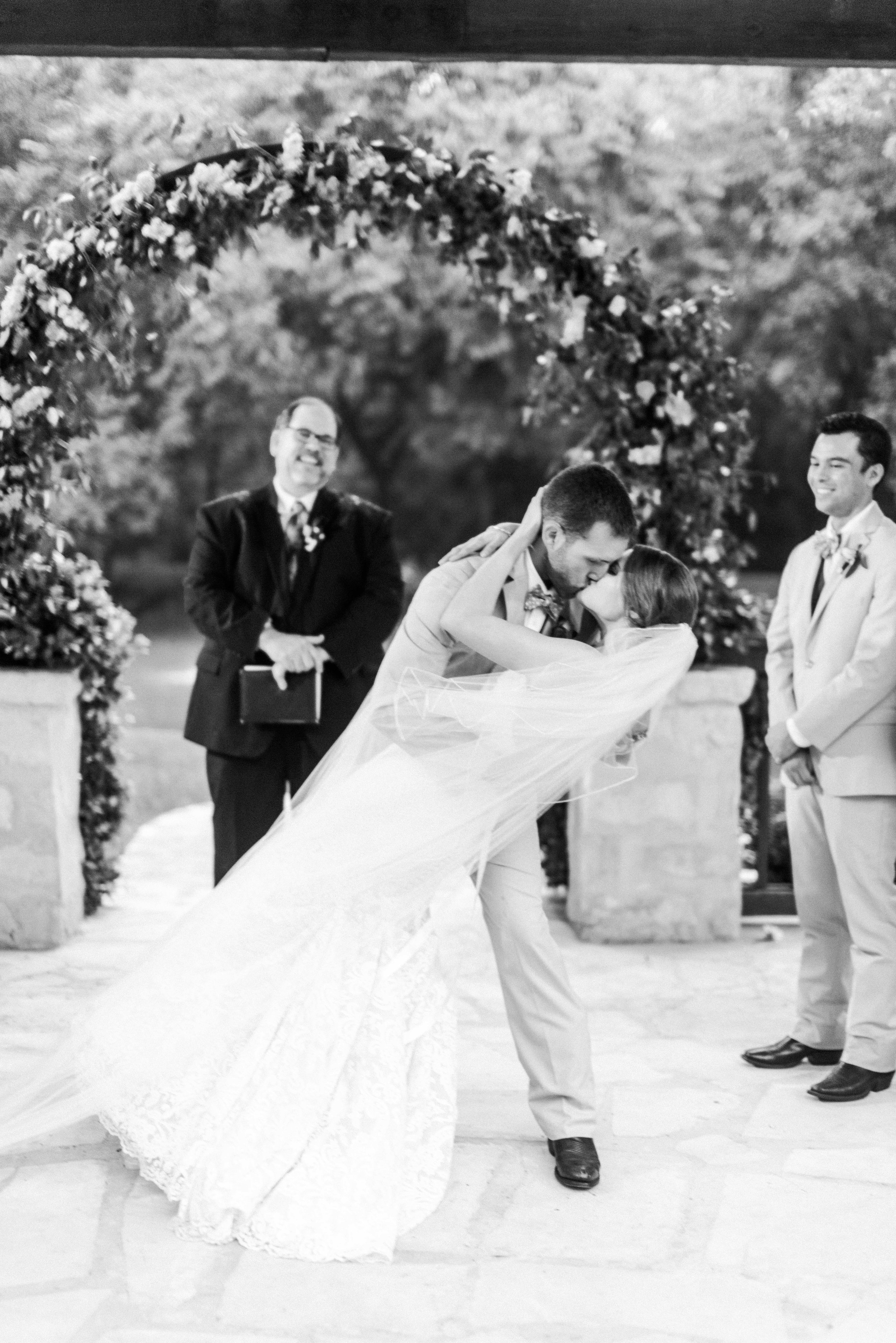 The-Knot-Wedding-Houston-Photographer-Fine-Art-Dana-Fernandez-Photography-Film-15.jpg