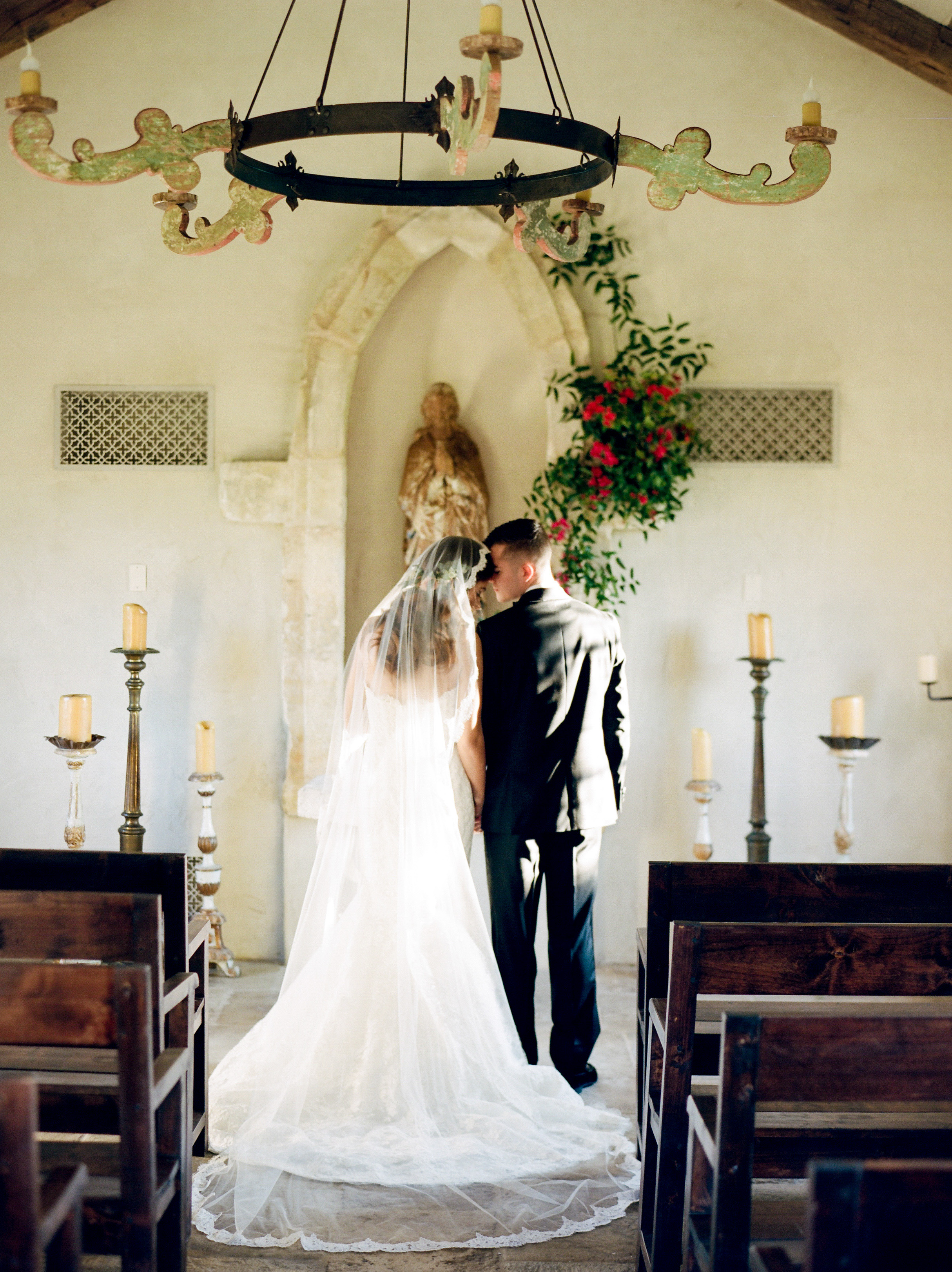 Top-Houston-Wedding-Photographer-Dana-Fernandez-Photography-The-Clubs-At-Houston-Oaks-Country-Club-Belle-Events-Film-Fine-Art-Destination-14.jpg
