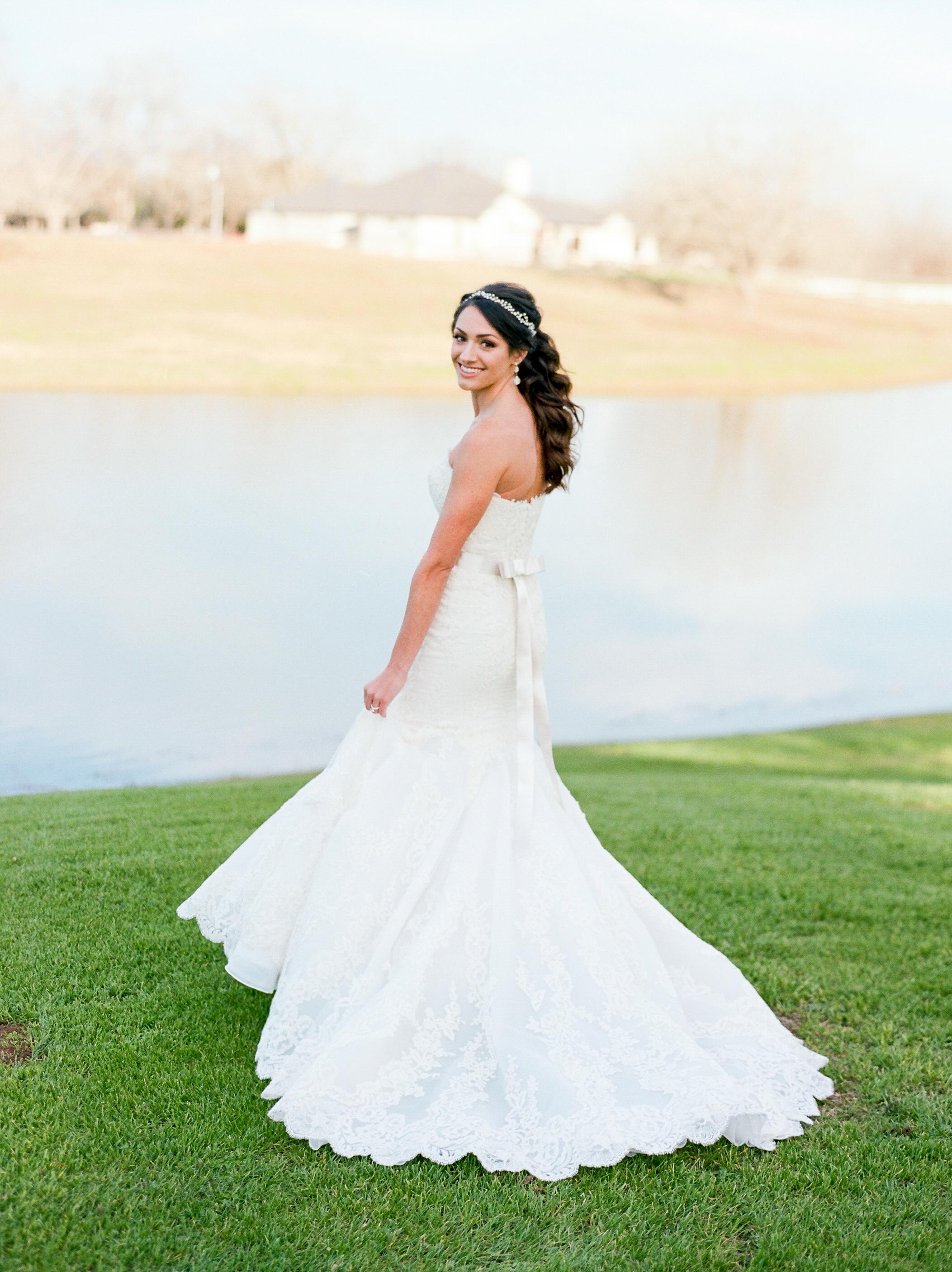 Briscoe-Manor-Houston-Wedding-Photographer-Modern-Luxury-Weddings-Dana-Fernandez-Photograpy-Fine-Art-Photographer-Houston-Film-Destination-PNW-Wedding-Photographer-26.jpg