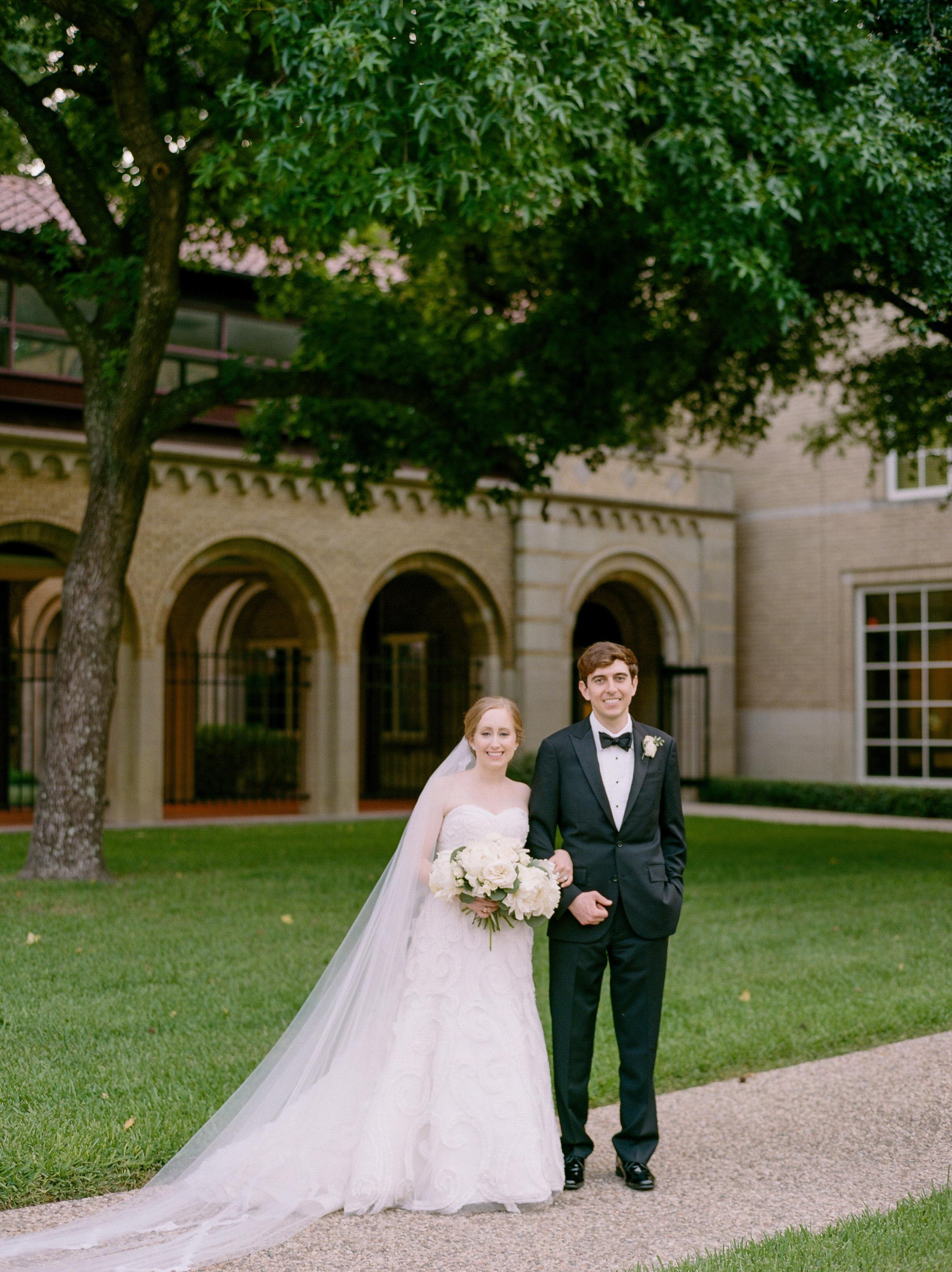 Fine-Art-Film-Houston-Wedding-Photographer-Best-Top-Luxury-Texas-Austin-Dallas-Destination-Dana-Fernandez-Photography-River-Oaks-Country-Club-South-Main-Baptist-Ceremony-Reception-Wedding-31.jpg