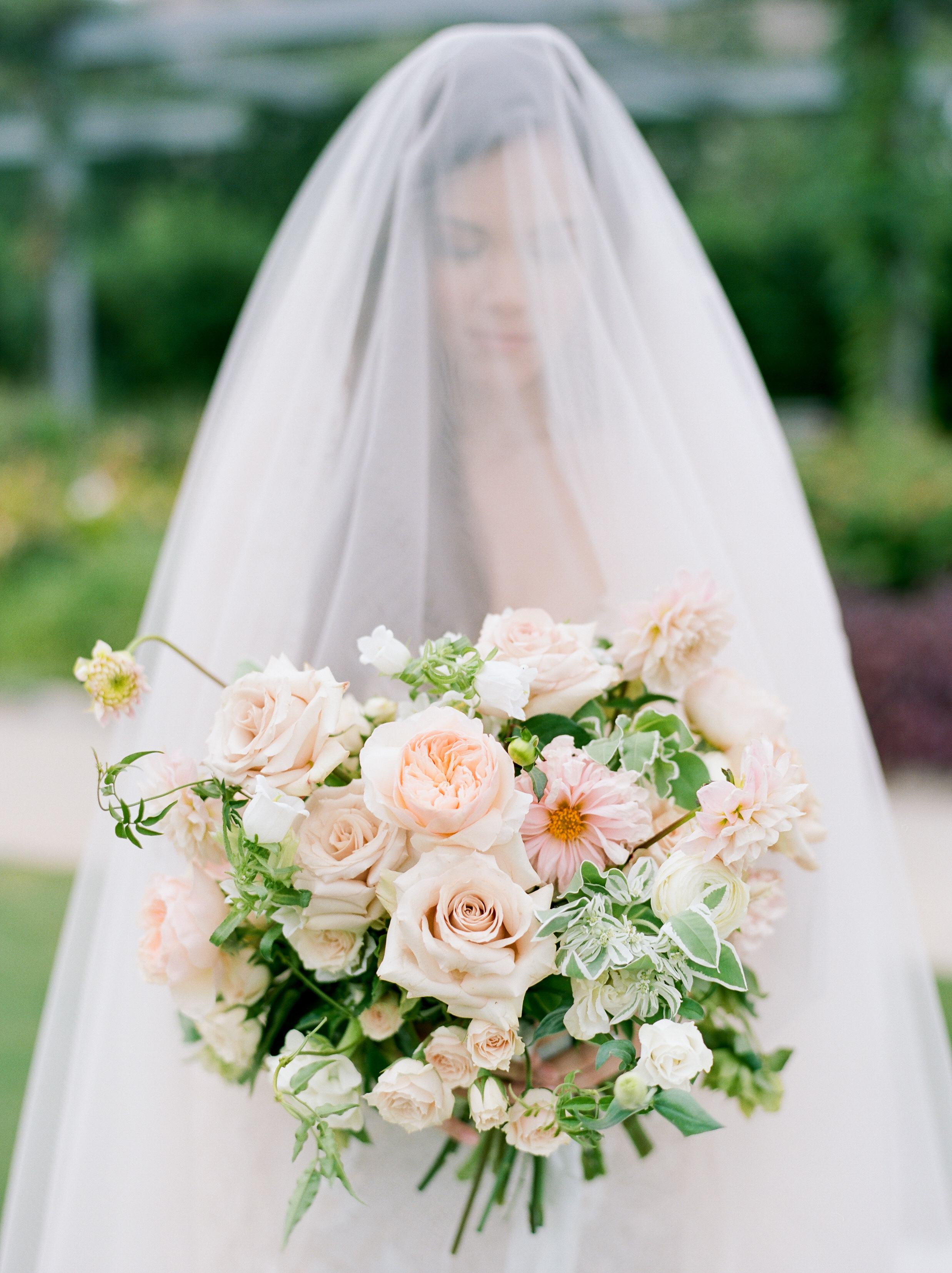 Fine-Art-Film-Houston-Wedding-Photographer-Best-Top-Luxury-Texas-Austin-Dallas-Destination-Dana-Fernandez-Photography-Portrait-Bridals-McGovern-Centennial-Gardens-2.jpg
