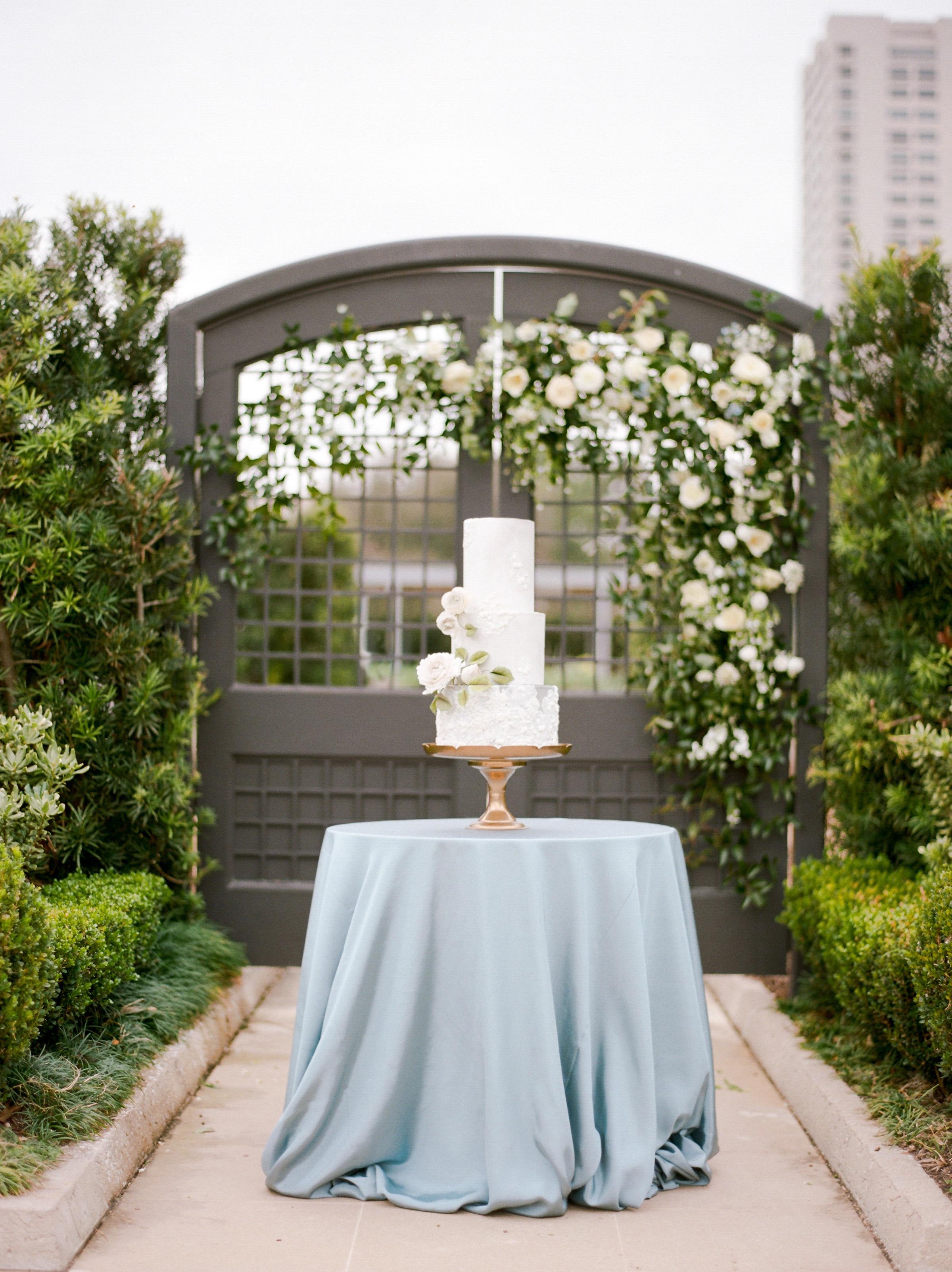 McGovern-Centennial-Gardens-Houston-Texas-Wedding-Venue-Josh-Dana-Fernandez-Photography-Film-Destination-Fine-Art-Luxury-Top-Best-Austin-Dallas-Magnolia-Rouge-Jennifer-Laura-Design-212.jpg