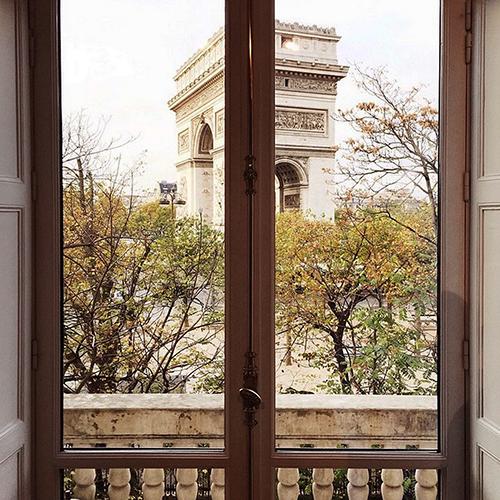 Paris Place Charles de Gaulle.png