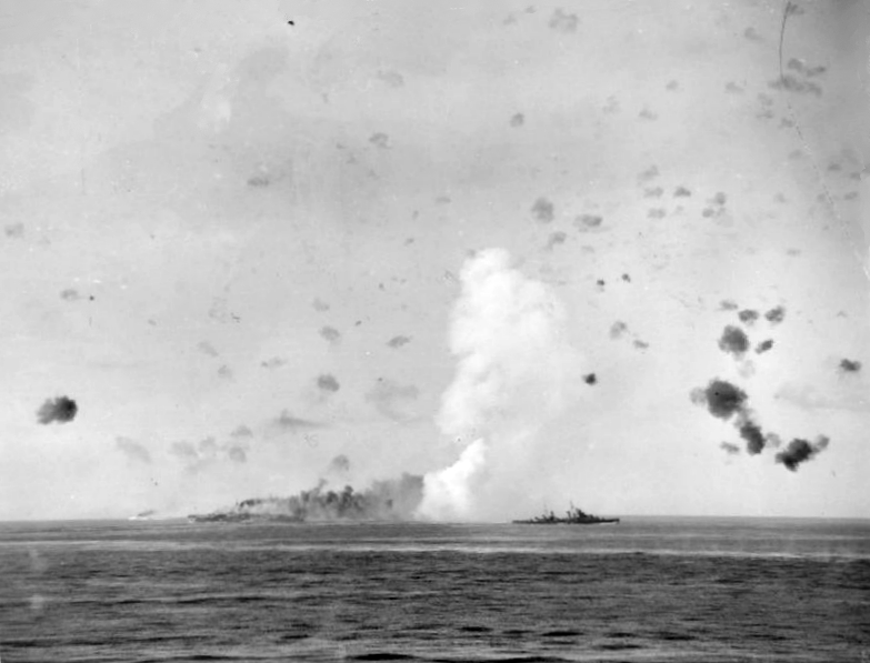 s6-HMS_SiriusPhoebe_screening_burning_Indomitable_Pedestal.jpg