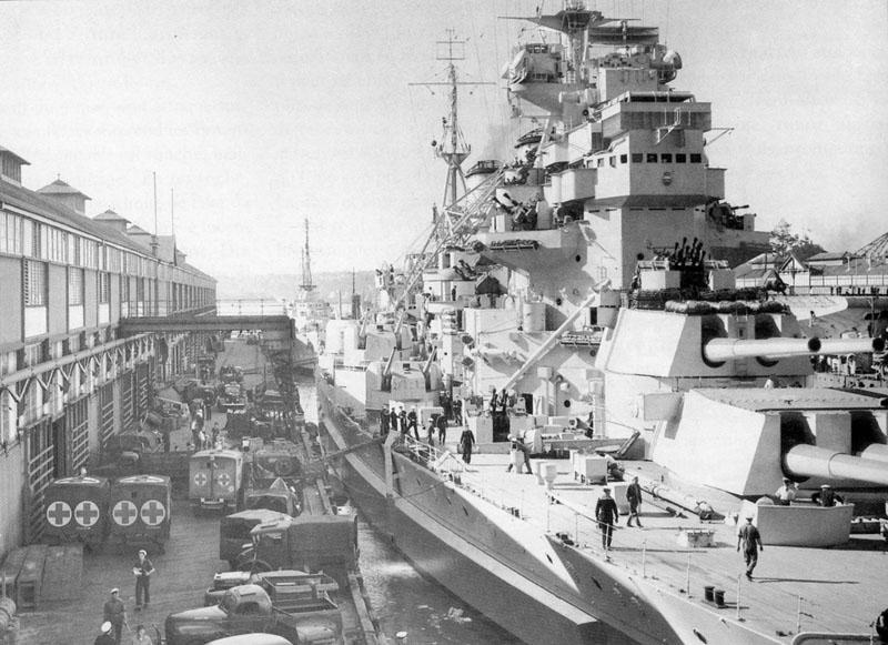 HMS Anson in Sydney, 1945