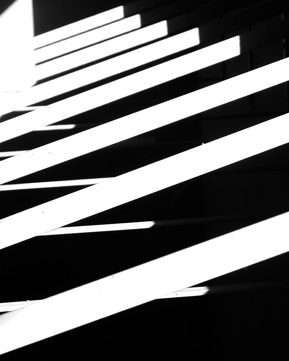 Light/Dark Streaming