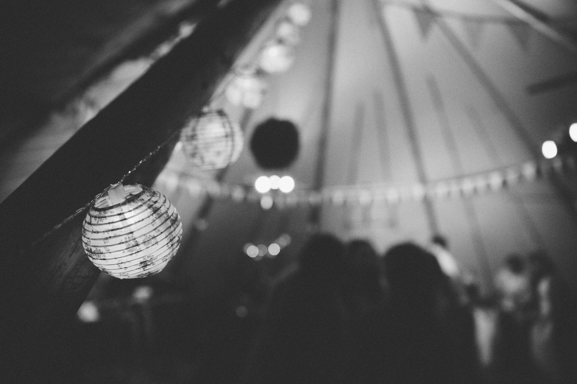 clairebyrnephotography-DIY-tipi-backyard-fun-wedding-207.jpg