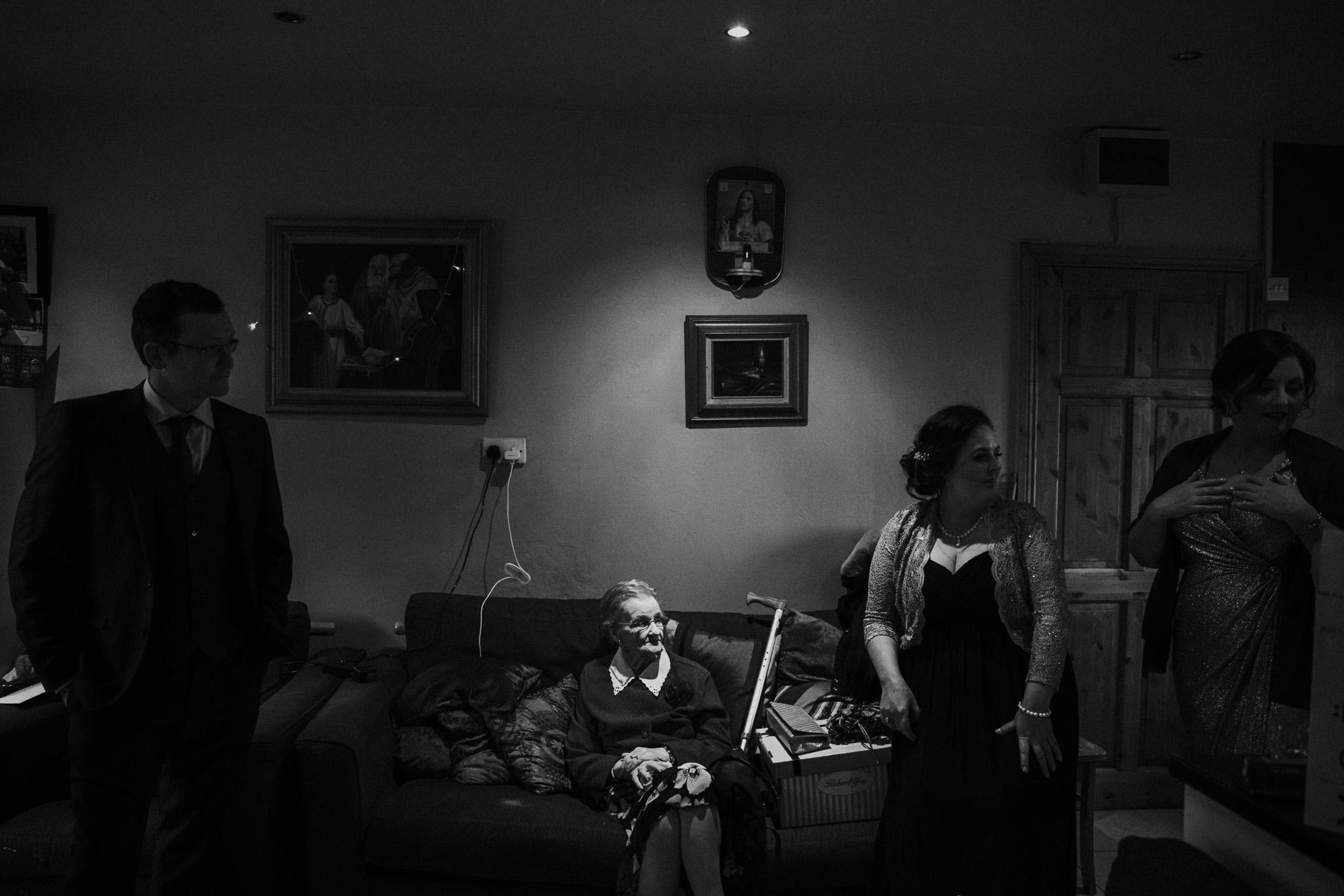 clairebyrnephotography-wedding-night-sparklers-new-years-eve-denyce-leonard-4.jpg