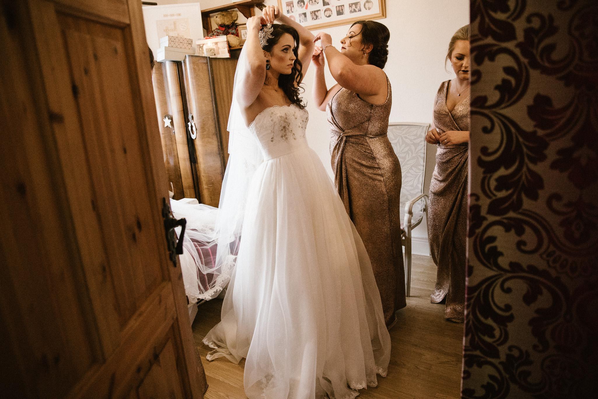 clairebyrnephotography-wedding-night-sparklers-new-years-eve-denyce-leonard-7.jpg