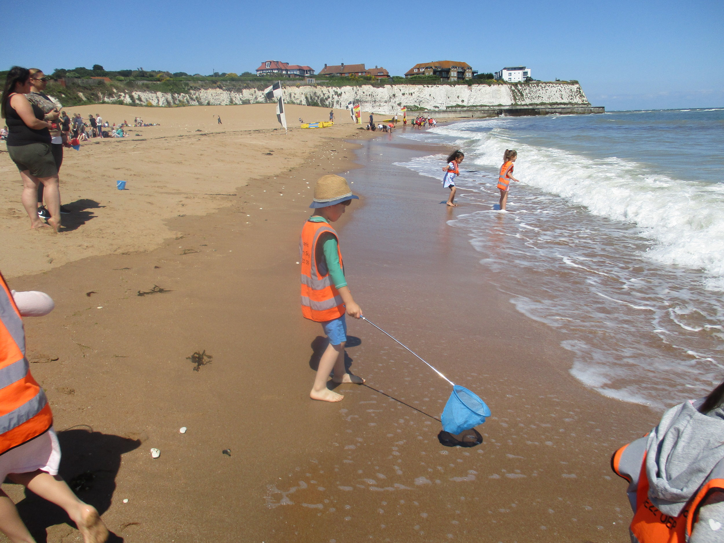 Joss Bay - The children found a variety of shells, several crabs and a jellyfish. They had great fun splashing about in the sea. They built sand castles and dug for treasure, (unfortunately none was found!) The trip was a great success to round off the topic on 'The Sea'.