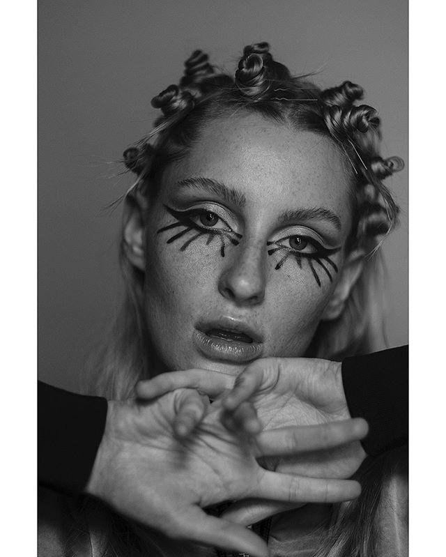 Fun makeup and hair tests w/ @blackeyedblues @scatteredself , makeup , hair & model me . . #makeupbyme #hairknots #hairstylist #makeupartist #portraitphotography #creativemakeup #makeuptest