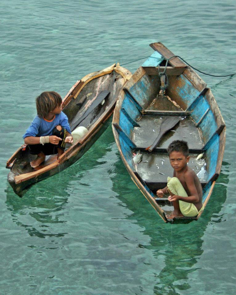 Children at a displaced Filipino camp in Sabah, Malaysia