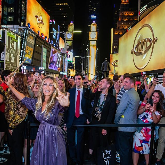 """Sarah Jessica Parker launches the """"Harry Potter and the Cursed Child"""" Times Square takeover"""