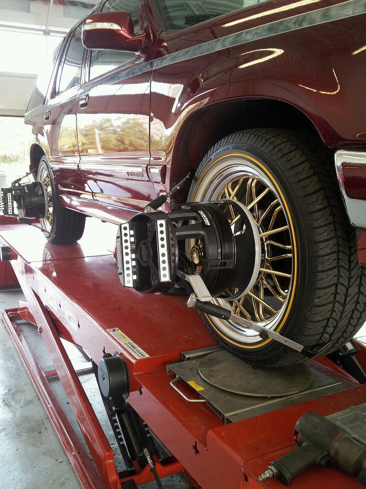 We align vehicles equipped with swangas