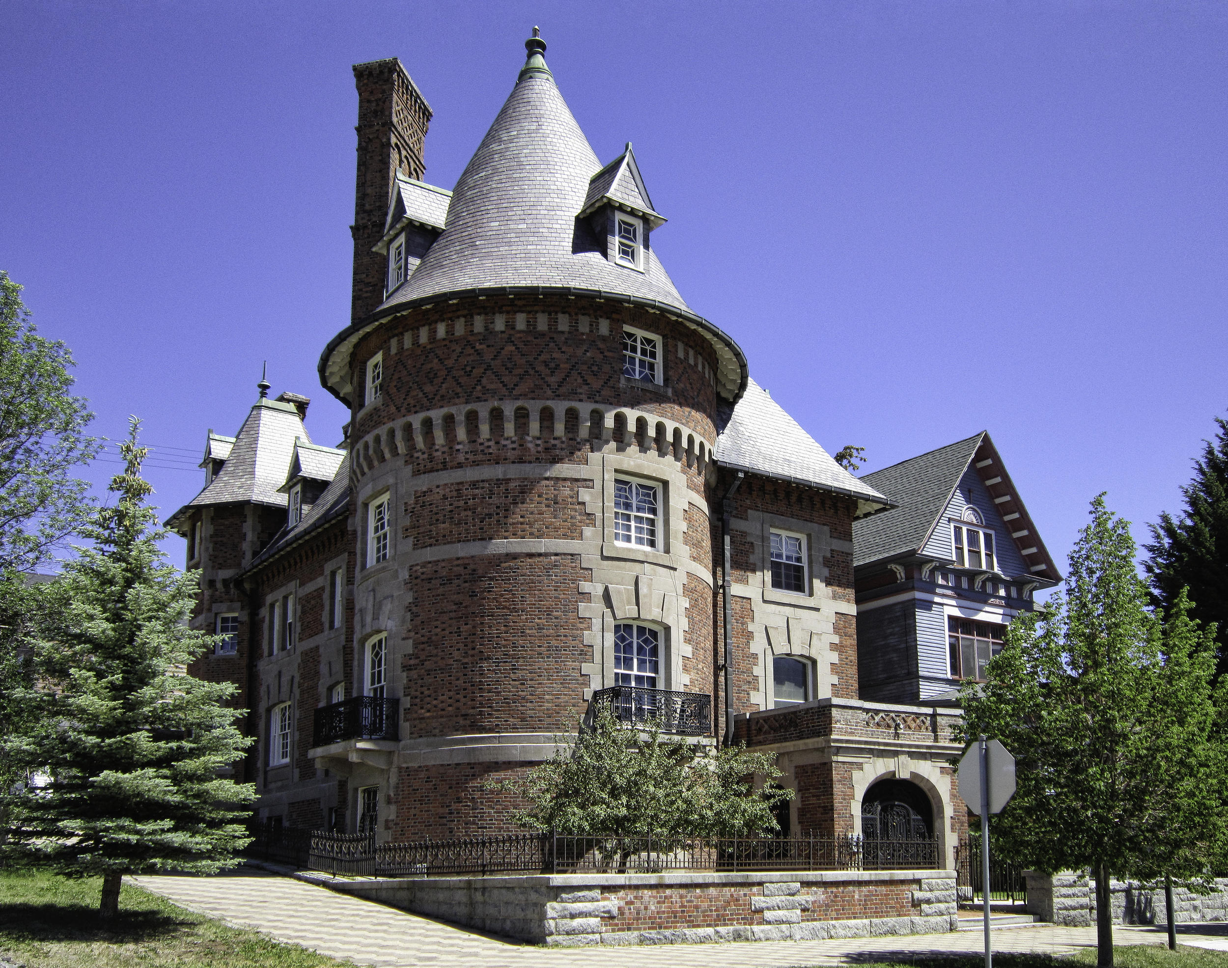 Clark Chateau, 321 W. Broadway, Butte, Montana. Built 1898- by W.A. Clark for his eldest son, Charles. 1884-1888. c. Daniel Hagerman. Prints for sale at http://fineartamerica.com/art/all/copper+king+mansion/all. More info at https://clarkchateaubutte.wordpress.com/history/.