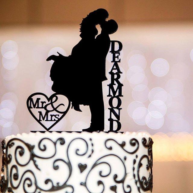 A cake as beautiful as the couple!  #DeArmondWedding #CakeTopper