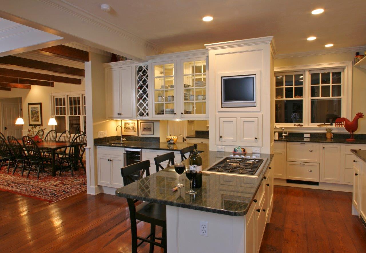 ryan e kitchen.jpg