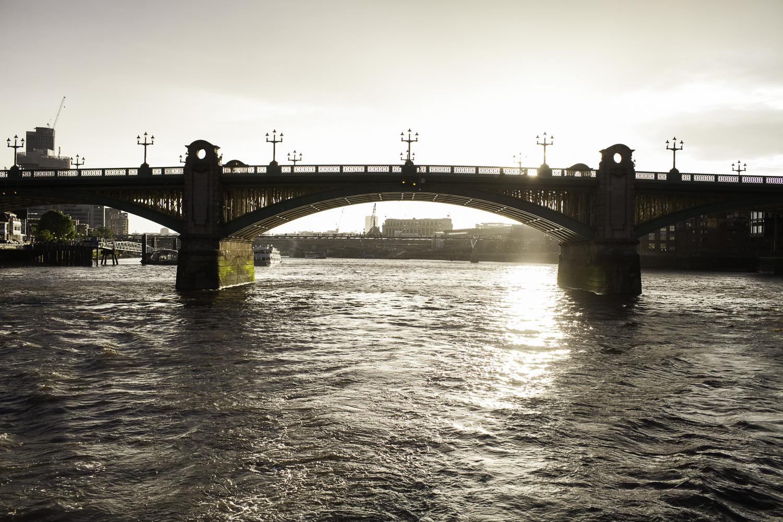 Adrian Fisk-ThamesRiverPartyBoat-18.jpg