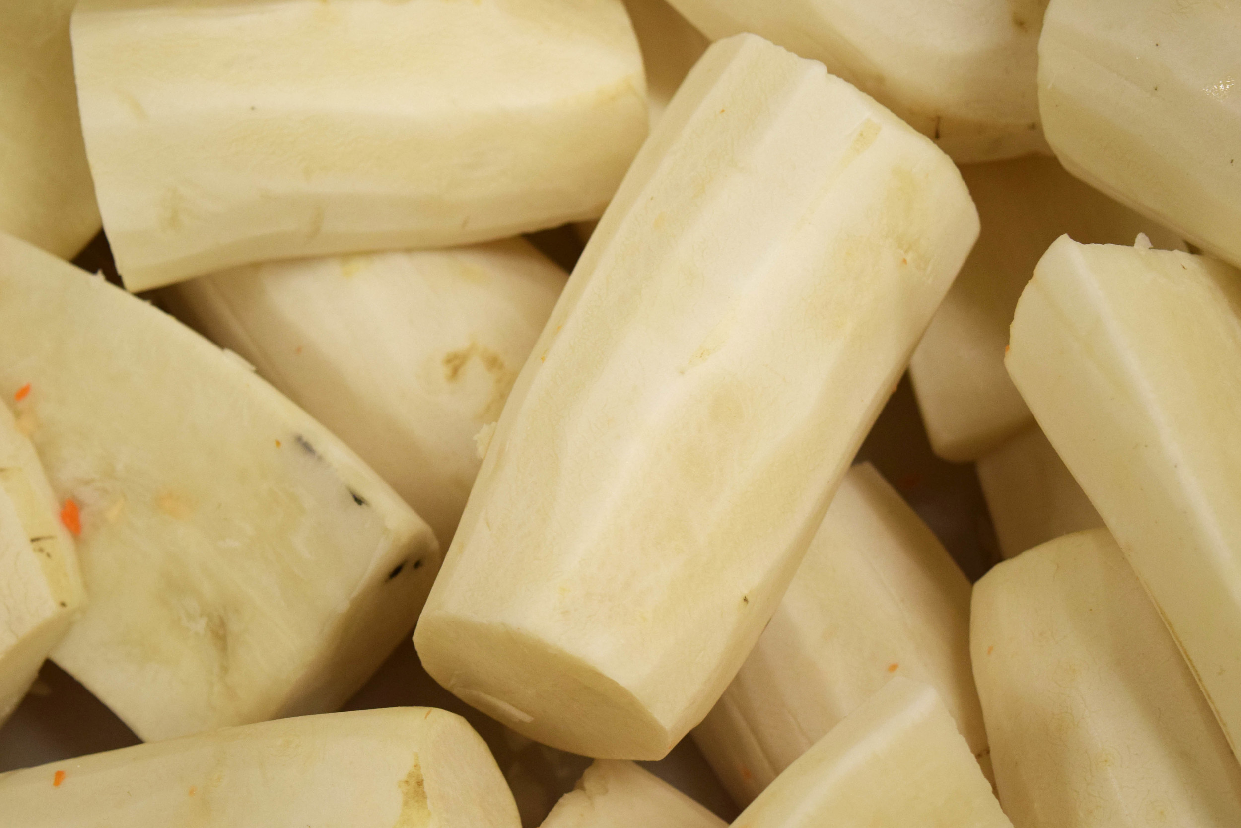 Have you ever seen a peeled Daikon? Here you go!