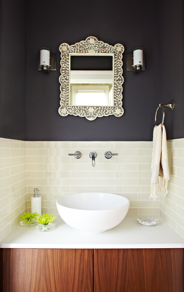 Another beautiful powder room.