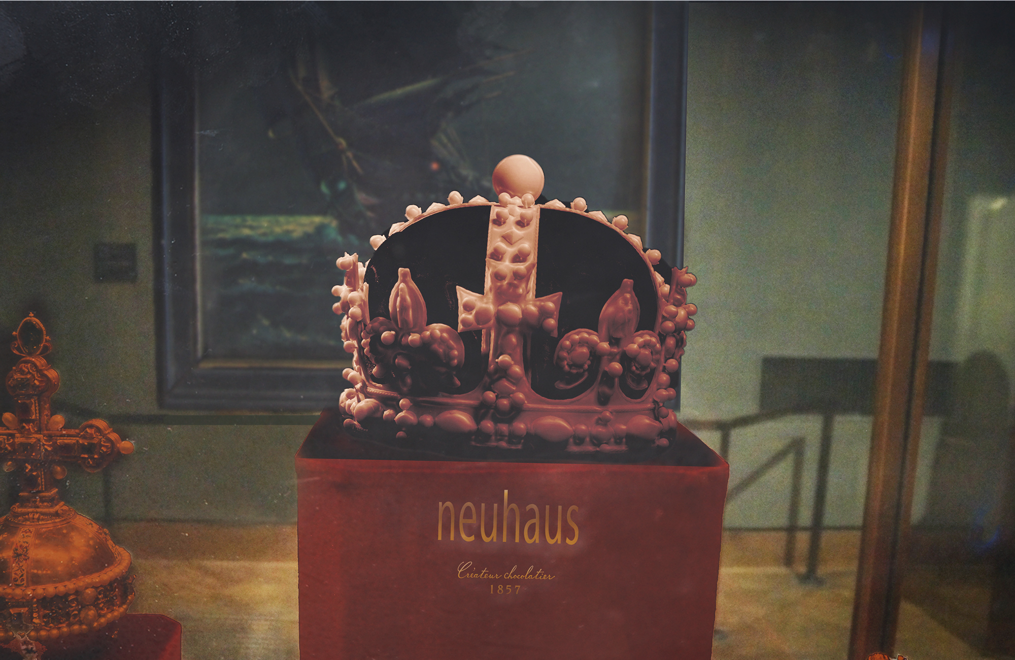 "<span style=""color: #777777"">👑 Neuhaus <B>Chocolate Crown Jewels</B> </span>- POS - 2016 YoungDogs"