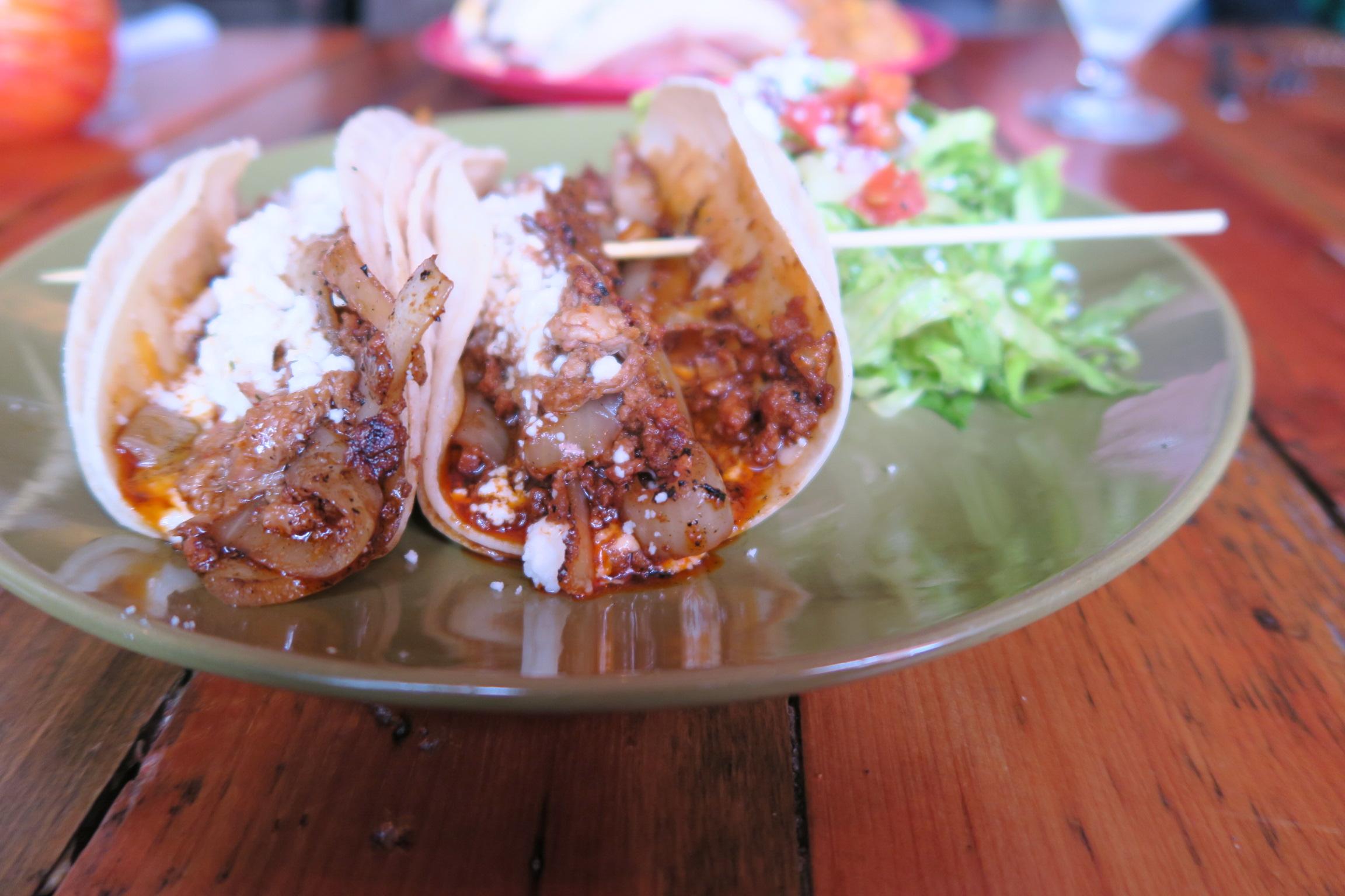 Los Puercos Tacos