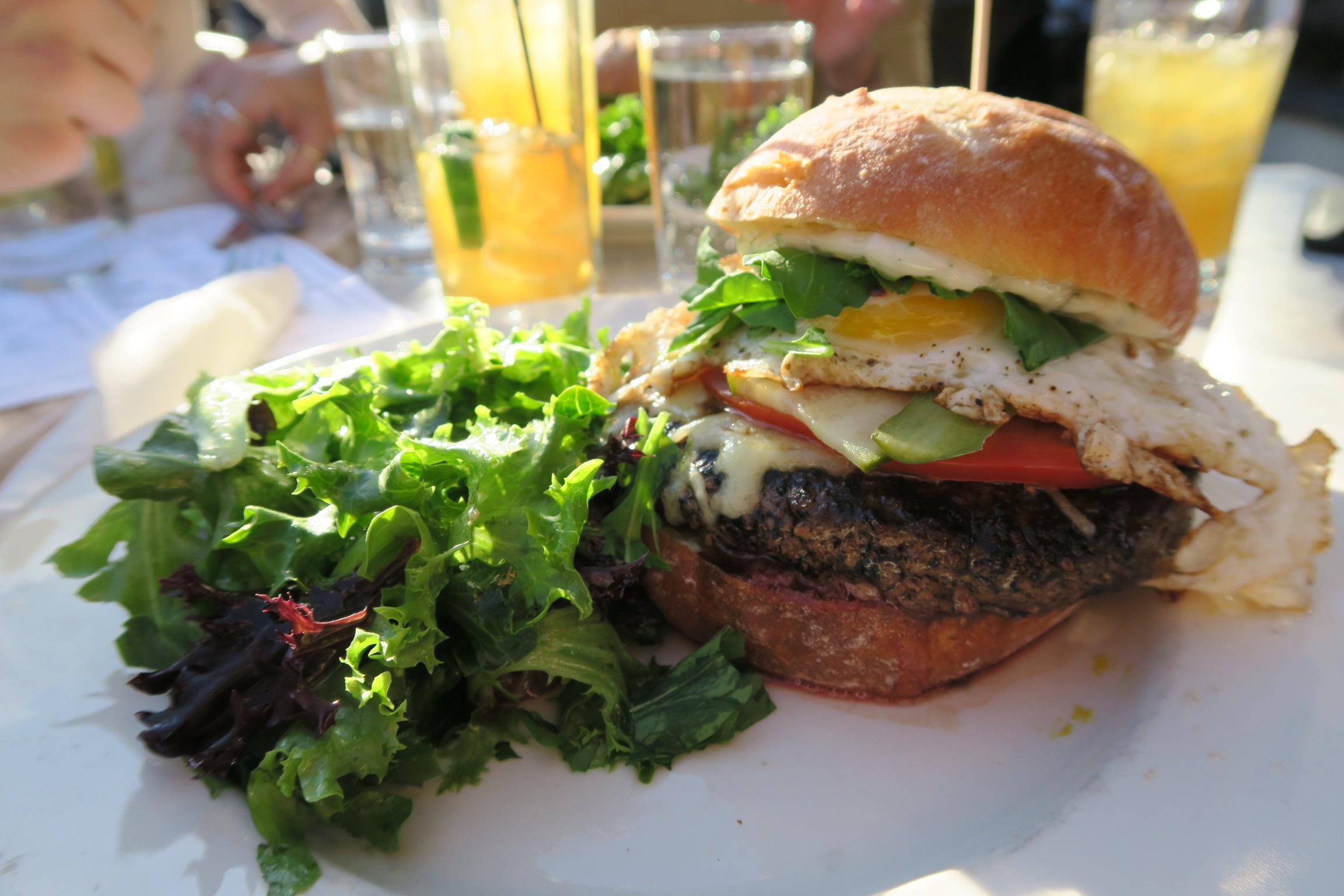 Roux Burger