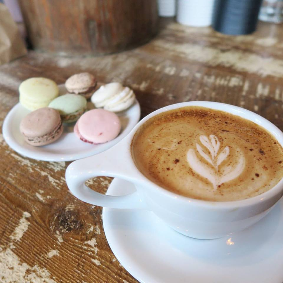 Autumn Spice Latte & Macarons at thew new Pour/Upper Crust Cakery location at 44 Elton St!