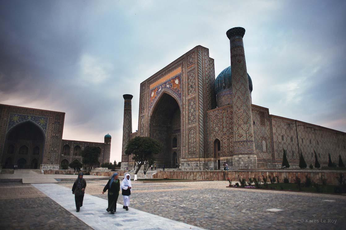 Registan Square in Samarkand and the 3 madrasah (Islamic school) /  La place du Registan à Samarcande et ses 3 medersas (école coranique)| UZBEKISTAN