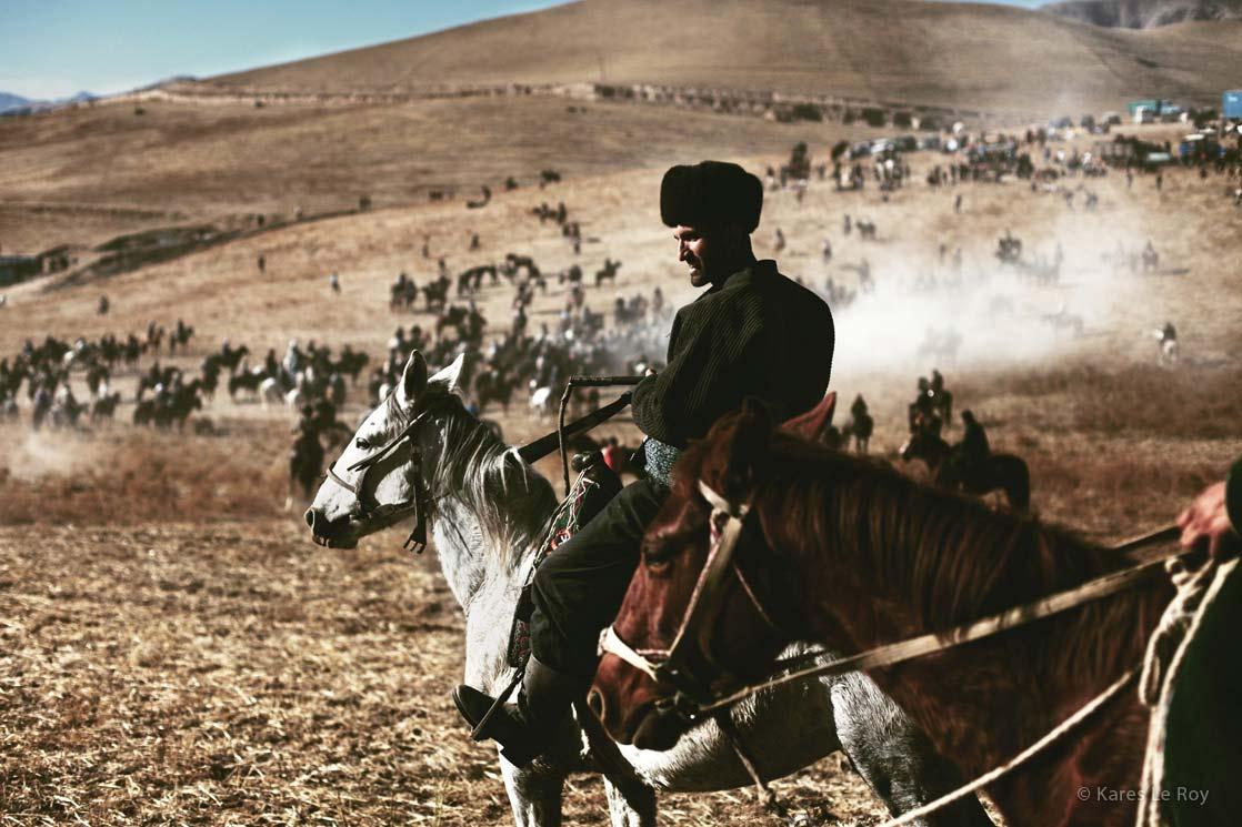 Buzkashi player near Dushanbe  / Joueur de Buzkashi près de Dushanbe   | TAJIKISTAN