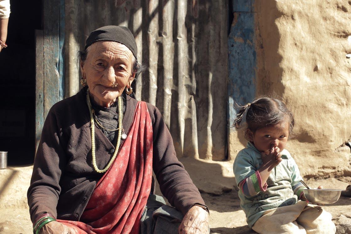 First interview of the project with a neighbor and friend of Bajay to know who she was / Première interview du projet avec une voisine et amie de Bajay pour savoir qui elle était