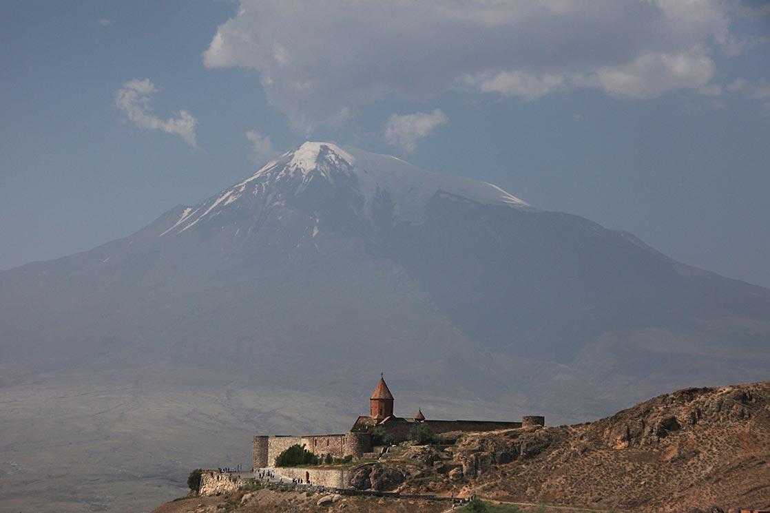 Khor Virap  is an  Armenian Apostolic Church  monastery located in the  Ararat valley  in  Armenia  , 8 kilometers near the border with Turkey  | ARMENIA