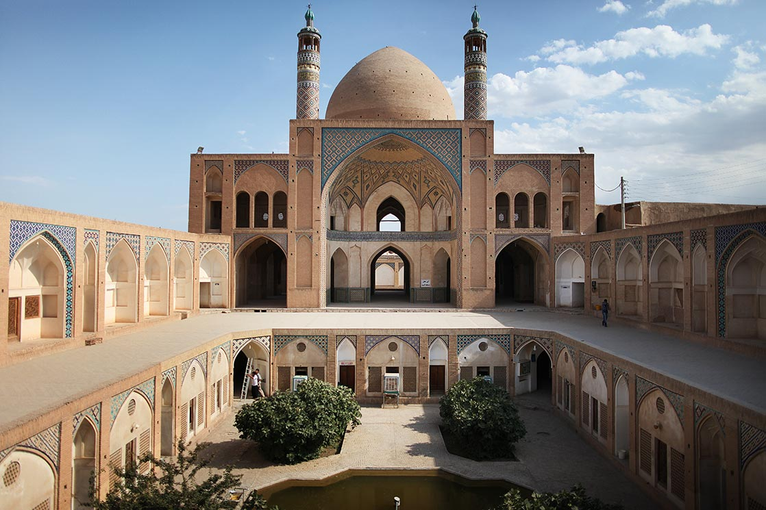 Agha Bozorg mosque  (Masjed-e Āghā Bozorg) is a historical mosque of 18th century in  Kashan  | IRAN