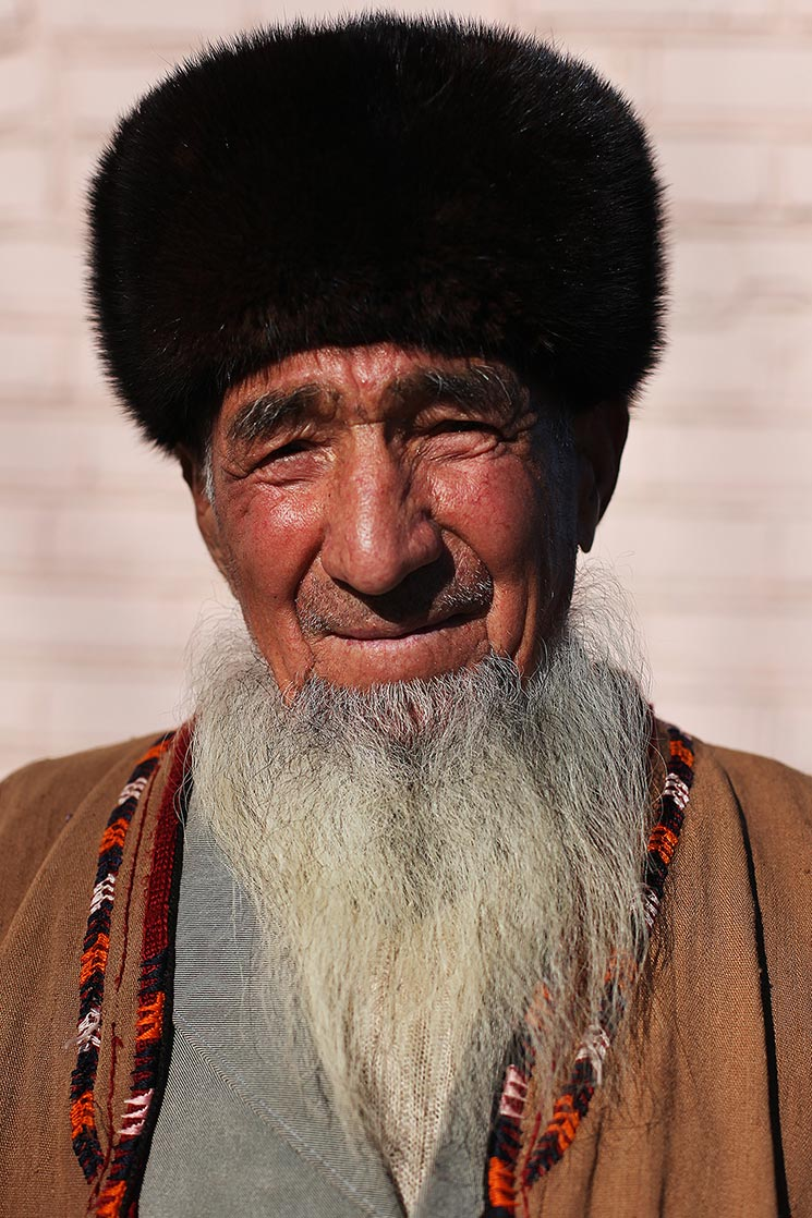 """Aksakal""  , a typically turkmen's white beard  