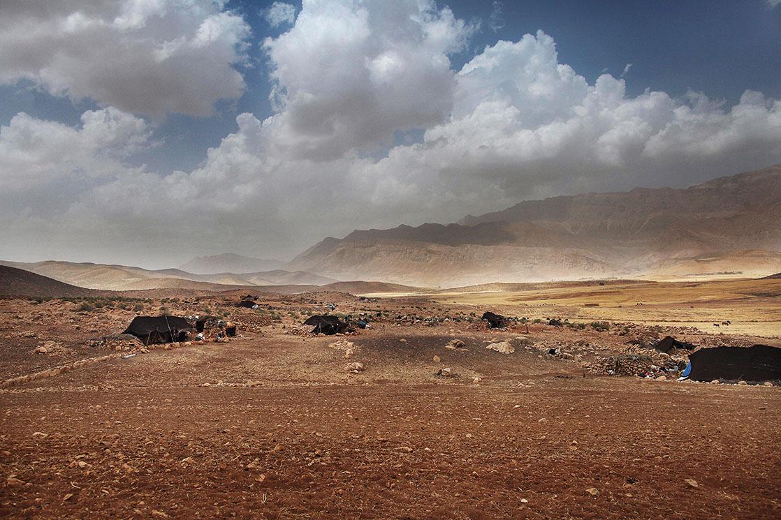 Camps of the Bakhtiari nomads, at the foot of the Zagros Mountains /  Campement de nomades Bakhtiaris aux pieds des montagnes du Zagros | IRAN